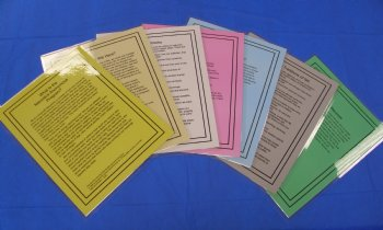 Set nof seven laminated group reading cards.
